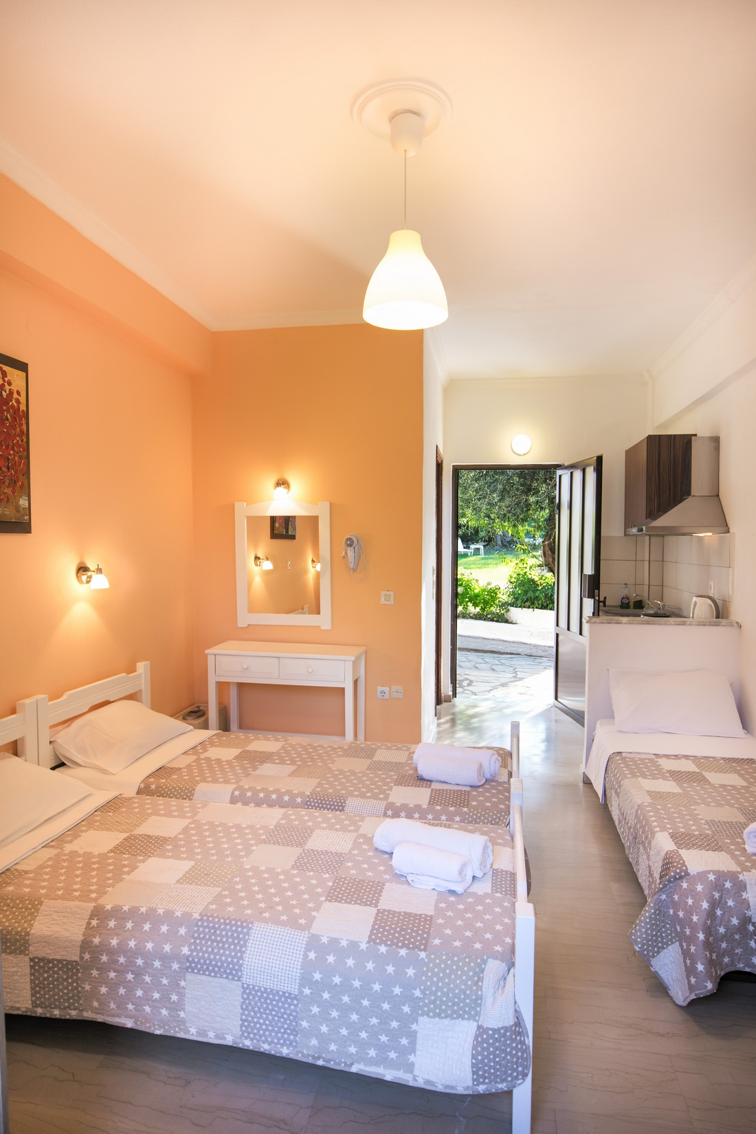 holidays-in-dassia-apartments-and-studios-marilena-Marilena Apartments & Studios-00013