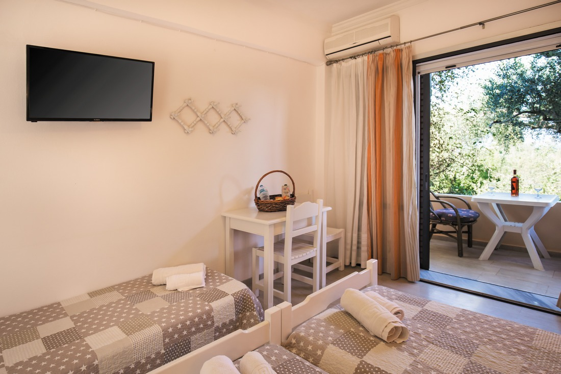 holidays-in-dassia-apartments-and-studios-marilena-Marilena Apartments & Studios-00015