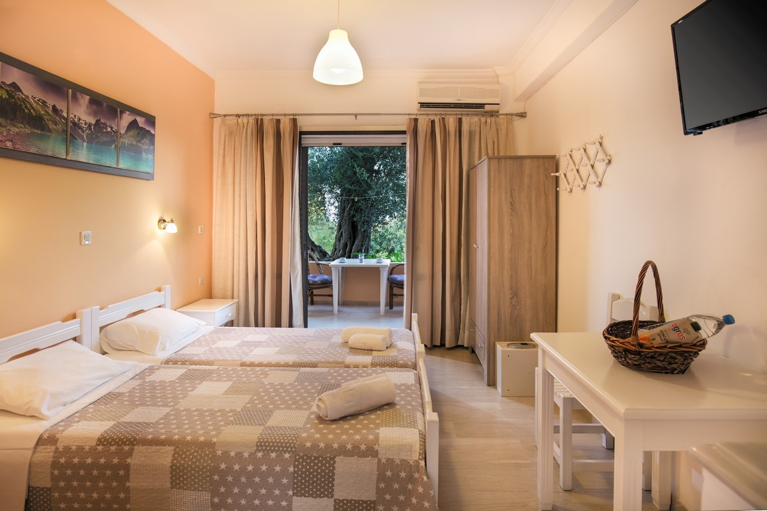 holidays-in-dassia-apartments-and-studios-marilena-Marilena Apartments & Studios-00016